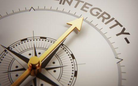 7 Cara Meningkatkan Integritas Agar Anda Dipercaya Orang Lain