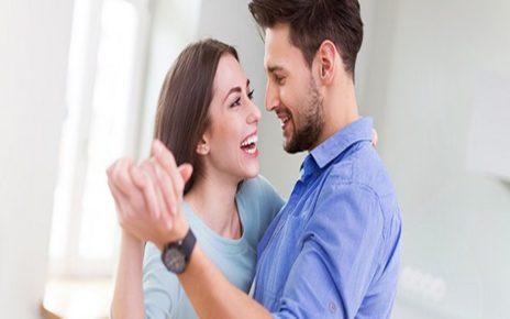 10 Cara Menjadi Istri yang Baik Agar Suami Makin Sayang dan Lengket
