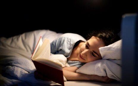 5 Manfaat Baca Buku